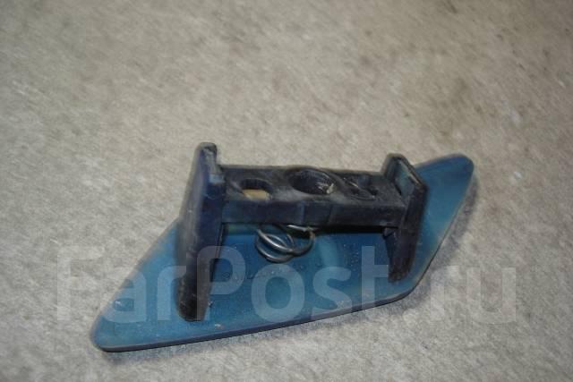 Крышка форсунки омывателя фар Пежо 307 Peugeot 307
