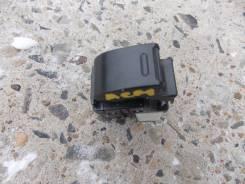 Кнопка стеклоподъемника. Toyota Gaia, ACM15