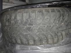 Bridgestone Ice Cruiser 5000. Зимние, шипованные, 2014 год, износ: 10%, 4 шт