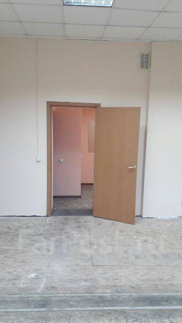 Сдаю в аренду. Кирова 63, р-н г.Артем, 1 кв.м., цена указана за квадратный метр в месяц