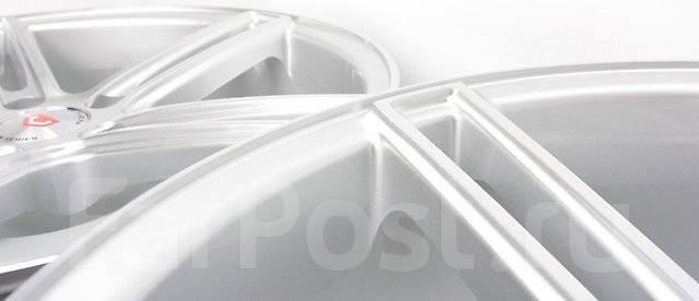 Vossen. 8.0/9.0x18, 5x114.30, ET35/35, ЦО 73,1мм.