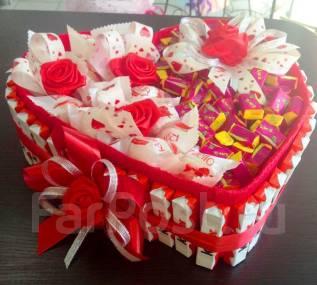 Букет из конфет Рафаэлло Подарок на Новый год ребенку торт из киндеров