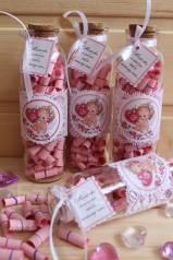 Бутылочка с причинами любви к маме с ангелочком и кружевом! Розовая