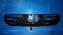 Решетка радиатора. Toyota Corolla, ZZE120, ZZE121, CDE120, NDE120 Двигатели: 4ZZFE, 3ZZFE, 1CDFTV, 1NDTV