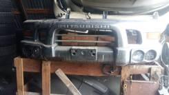 Бампер. Mitsubishi Delica, PE8W