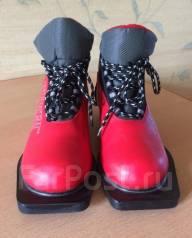 Ботинки лыжные.