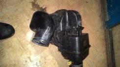 Корпус воздушного фильтра. Toyota Cresta, GX71 Двигатель 1GEU