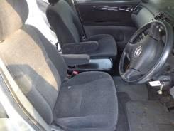 Обшивка двери. Toyota Ipsum, ACM21, ACM26W, ACM21W Двигатель 2AZFE