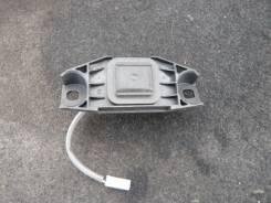 Кнопка открывания багажника. Toyota Crown, GRS210