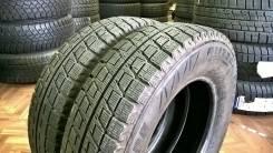 Bridgestone Blizzak Revo2. Всесезонные, 2010 год, износ: 5%, 2 шт