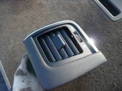 Решетка вентиляционная. Toyota Crown, GRS210