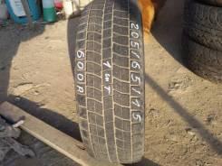 Bridgestone ST20. Зимние, без шипов, 2008 год, износ: 30%, 1 шт