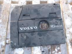Крышка двигателя. Volvo S40