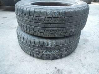 Bridgestone Blizzak Revo1. Зимние, без шипов, 2005 год, износ: 20%, 2 шт