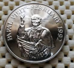 Гамбия 10 далас 1992г. UNC. Папа Римский
