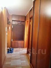 2-комнатная, улица Комсомольская 62. ЦЕНТР, 14 Школа , агентство, 47 кв.м. Прихожая