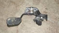 Педаль акселератора. Toyota Voxy, AZR65G Двигатель 1AZFSE