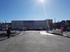 Сдам торговые площади в новом ТЦ. 1 300 кв.м., улица Комсомольская 36 Б, р-н улица Комсомольская