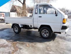 Toyota Lite Ace. 4WD, борт 1 тонна, 2 000 куб. см., 1 000 кг.