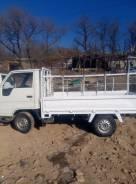 Toyota Hiace. Бортовой грузовик Тоета Хайс, 1 800 куб. см., 1 250 кг.