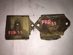 Подушка двигателя. Isuzu Forward, FRR33, FRR32 Двигатели: 6HH1, 6HE1