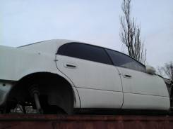 Дверь боковая. Toyota Crown Majesta, JZS143, JZS141