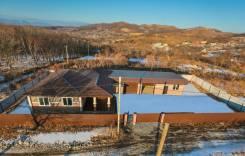 Продам Шикарный дом с Шикарным видом во все стороны. Ул. Абрикосовая 274, р-н Золотари, площадь дома 280 кв.м., скважина, электричество 15 кВт, отопл...