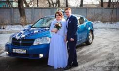 Прокат свадебного автомобиля с собственными украшениями