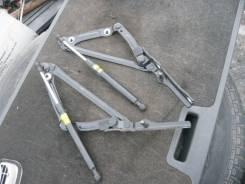 Крепление крышки багажника. Toyota Crown, GRS210