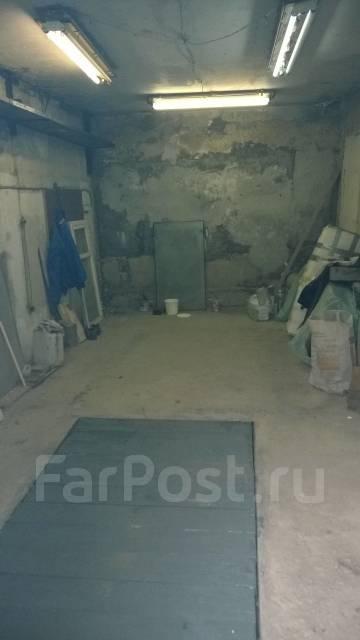 Гаражи капитальные. улица Адмирала Юмашева 7, р-н Баляева, 18 кв.м., электричество. Вид изнутри
