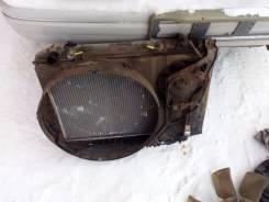 Радиатор охлаждения двигателя. Toyota Crown Двигатель 2JZGE