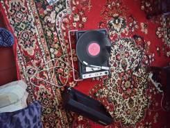 Продам проигрователь виниловых пластинок 1987года рабочий пластинки