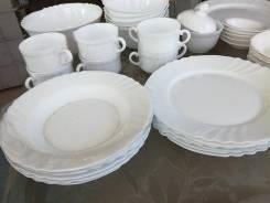 Наборы столовой посуды.