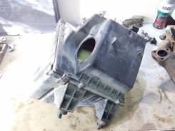 Корпус воздушного фильтра. Audi A6, C5 Двигатель AEB