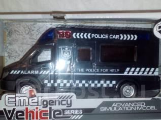 Полицейские машинки.