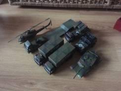 Военные машинки.