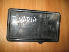 Подставка под АКБ штатная, пластик, Toyota Nadia, SXN10. .