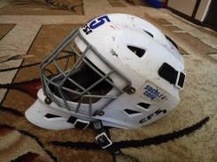 Шлемы хоккейные.