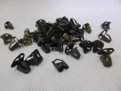 Крепление обшивки салона Mazda #GJ1268865 металлическое Япония б/У (24158)