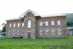 База на Снеговой (Карьерная) — перспективный участок, здание и боксы. Улица Карьерная 4, р-н Снеговая, 600 кв.м. Дом снаружи