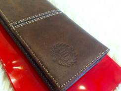Кошельки, портмоне, бумажники.