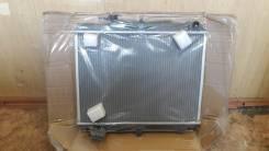Радиатор охлаждения двигателя. Nissan Atlas Двигатель TD27