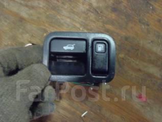 Кнопка открывания бензобака. Nissan Terrano, LR50 Двигатель VG33E