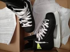 Коньки хоккейные.
