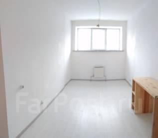 Гостинка, улица Калинина 115а. Чуркин, частное лицо, 30 кв.м. Комната