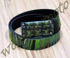 Ремень бляшка темная со значками М зелено-черный Monster