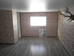 Гаражи капитальные. улица Тургенева 63, р-н магазин СОЛНЫШКО, 75 кв.м., электричество, подвал.