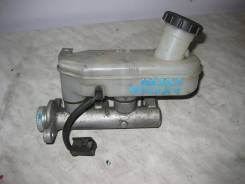 Цилиндр главный тормозной. Mazda Bongo Friendee, SGL5 Двигатель WLT