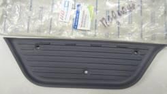 Накладка подножки ISTANA FR LH / пластик / 6616843005AAA /