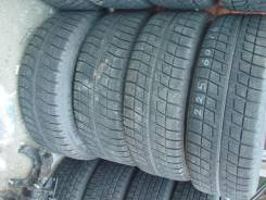 Bridgestone Blizzak Revo2. Зимние, 2011 год, износ: 5%, 4 шт